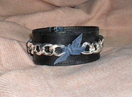 Höstens armband i skinn och läder / made by Ingrid B