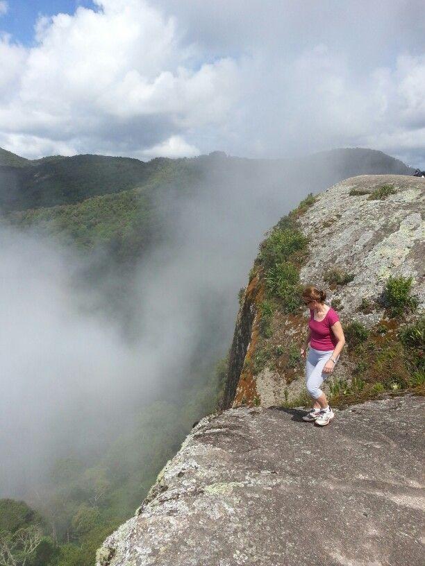 Trilha da Pedra Redonda. Monte Verde. Ao sul de Minas Gerais. Brasil.