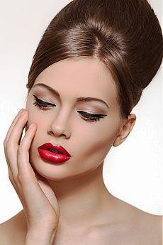 Красные губы макияж - основные правила.