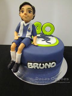 Doces Opções: Bolo para o 30º aniversário do Dragão Bruno