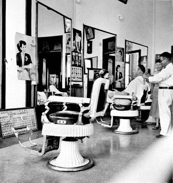The barbershop/kapsalon chairs ca 1930-40, Surabaya.
