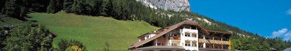 Genuss in den Dolomiten  Entspannen Sie im 5 Sterne Hotel Sassongher in Südtirol #urlaub #reisen
