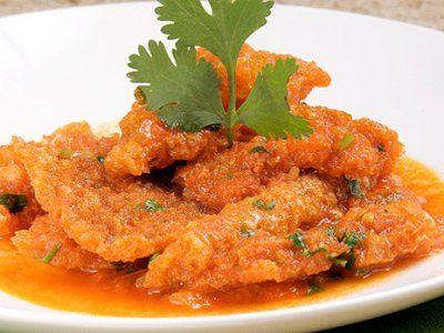 Receta de Chicharrón en Salsa Roja. El chicharrón en salsa roja queda delicioso es ideal para acompañar con tortillas. Tiene un sazón que no te puedes perder esta receta le encantará a toda la familia.
