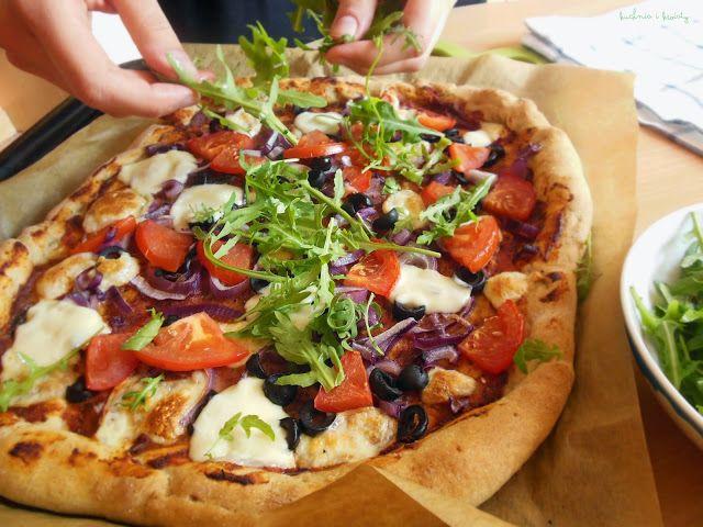 Kuchnia i Kwiaty.: Pizza (idealna) z mąki pełnoziarnistej, czyli uśpione sumienie.