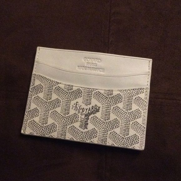 Goyard card holder New white and gray Goyard card holder, hand painted like original, leather, excellent quality, thanks for viewing !! Accessories Key & Card Holders