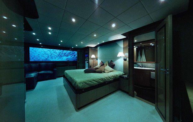 """Der englische Reiseanbieter """"Oliver´s Travels"""" bietet das romantische U-Boot-Paket für 175.000 Pfund (zirka 215.000 Euro) pro Nacht an."""