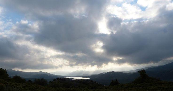 lever-de-soleil-sur-la-montagne-corse
