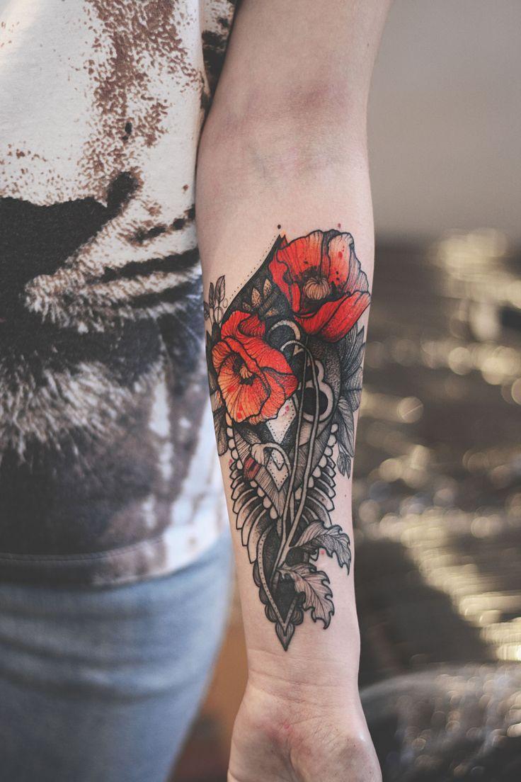 Instagram @dzo_lama facebook Dżo Lama #tattoo #tatuaz #tattoowork #project #design #ink #inked #graphic #tattuaggio #btattooing #tattuaje #illustration #татуировка #тату #krakow #berlin #wroclaw #warszawa #prague #praha #tetovani #tätowierung #tatuajes #dzolama #dzo #lama #poppies #ornament #ornamental