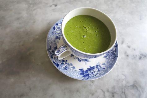 I går åt vi lunch på underbara Yogayama och drack en grön smoothie som var så god att vi bad om receptet. Receptet skrevs ner på enliten illgrön post i