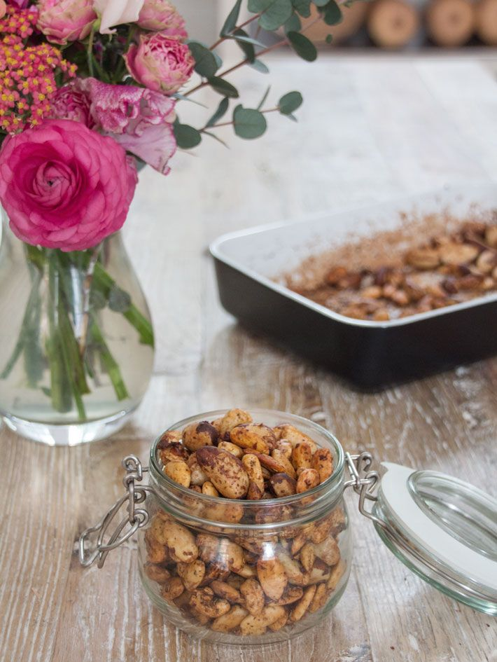 Roasted Thyme and Tamari Nuts | Deliciously Ella