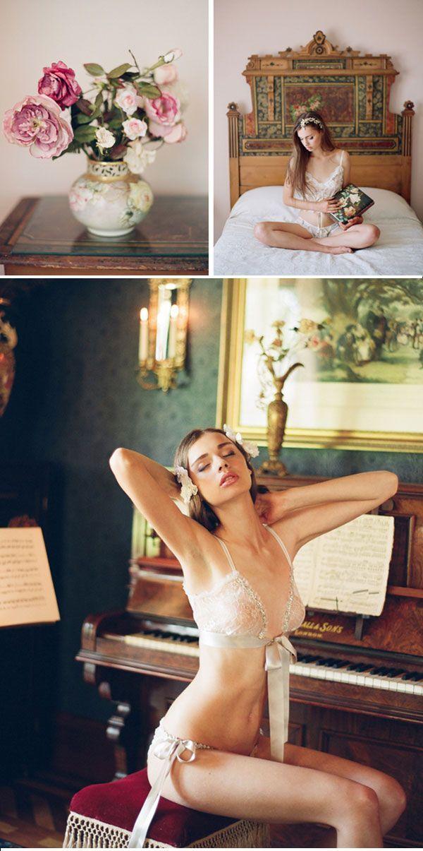 Farklı ve sade gelinlikler, gelin iç çamaşırları ▶ http://blog.kizlarsoruyor.com/2013/12/21/sira-disi-beyaz-alternatif-gelinlik-modelleri/ #gelinlik #blog #weddingdress #fashion #style #blog #moda #stil #design #tasarim #gelin #iccamasir #sutyen #lingerie #bra