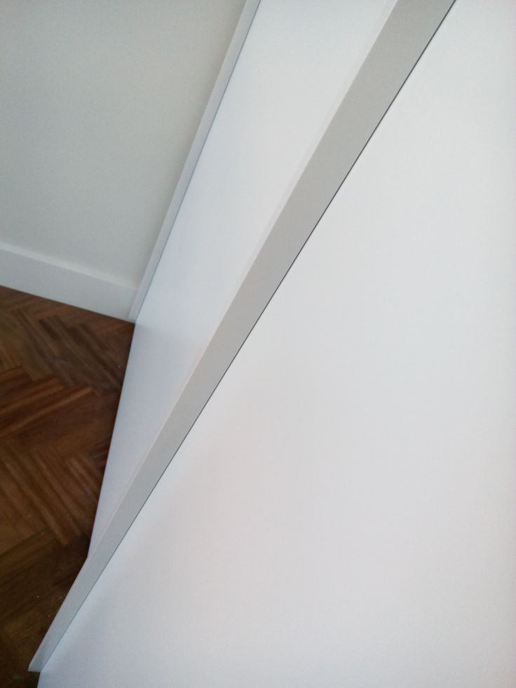 Renovación armario puertas corredera blancas