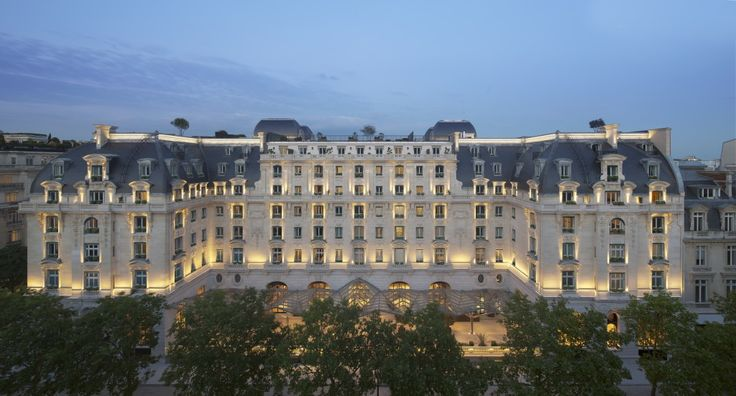 The Peninsula: Paris.. I do not care how expensive it is, one day before I die I have to experience staying here..