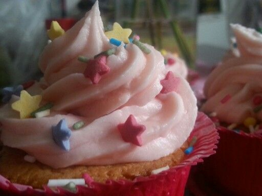 Made some cupcakes :3