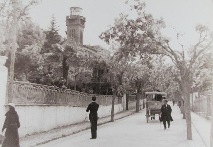 Çankaya Caddesi, Mizzi Köşkü, 1930'lar. (Kaynak: Çelik Gülersoy, Büyükada Dün/Yesterday)