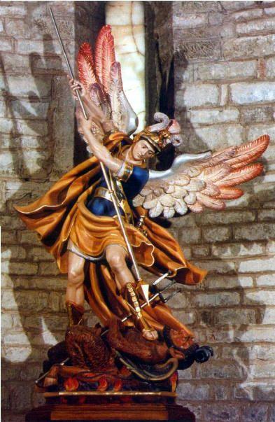 Statua di San Michele Arcangelo, chiesa di S. Micele A. Cortona AR
