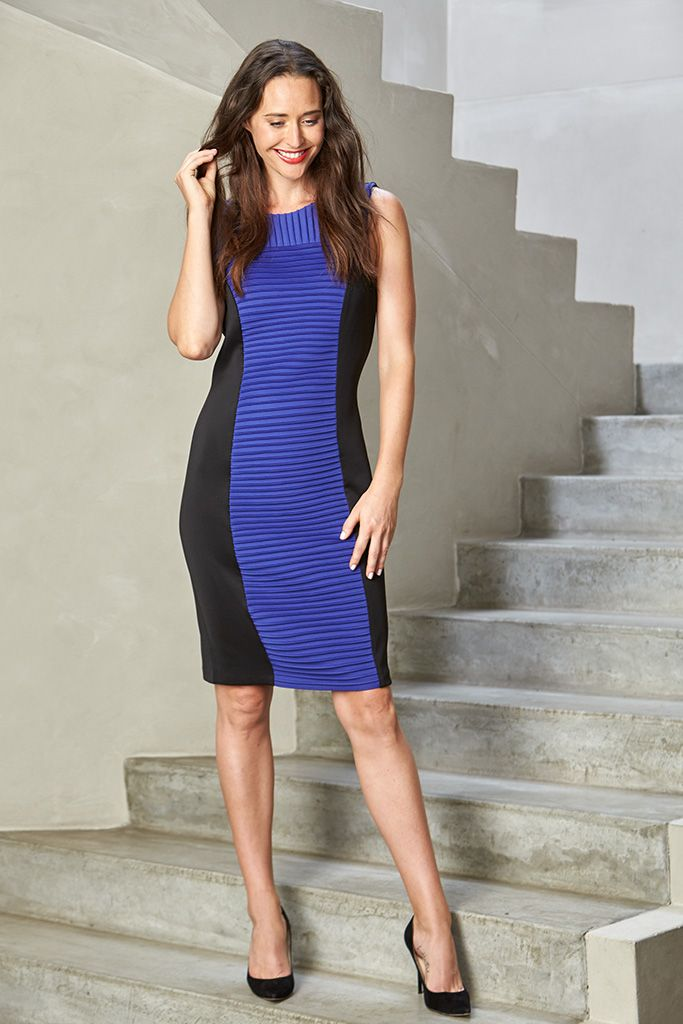 This dress offers refined style and superb comfort. Crafted from a soft elastane blend, this style features a concealed back zip, ensuring practicality and comfort. The dynamic colours are complimented by the horizontal stripes on the front, while the slimming black side panels will contour your figure.