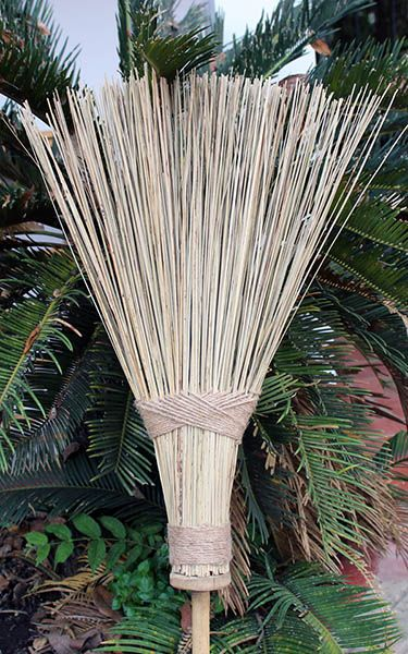 This bamboo coconut garden yard broom is one of best brooms designed for yard debris, leaves, or even gravel and small rocks. You can use them in any outdoor weather, rain and snow. The coconut leaf sticks are stiff and yet soft enought to pick up small and coarse debris. It is a truly a green product handcrafted with natural sustainable material of bamboo handles and coconut palm leaves.