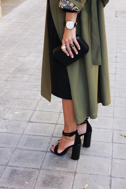 Keep your head, heels & standards high// #street-style #accessories: