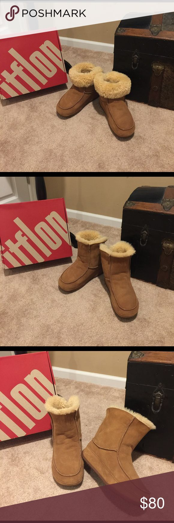 🌺🌼FIT FLOP🌼🌺 MUK LUK MOC 2 Chestnut boots SZ10 🌺🌼FIT FLOP🌼🌺 Preloved MUK LUK MOC 2 Chestnut boots SZ10 in excellent condition only worn two times there like brand new.  Have the original shoe it came in. Fit Flop Shoes Ankle Boots & Booties