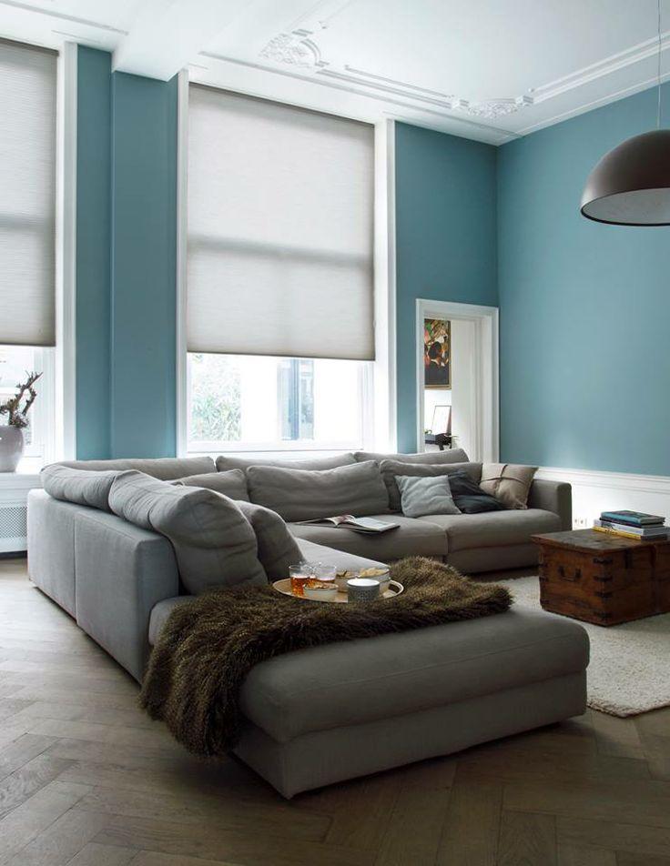 Raamdecoratie van dimago in combinatie met de kleur van het jaar teal exclusief bij www - Kleur verf moderne woonkamer ...