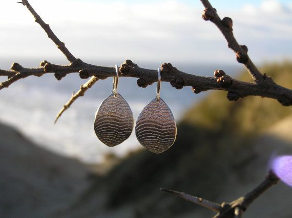 Wave Dangle Earrings in sterling silver. Made by Loenstrup Smykke Design - Nynne Kegel - Lønstrup