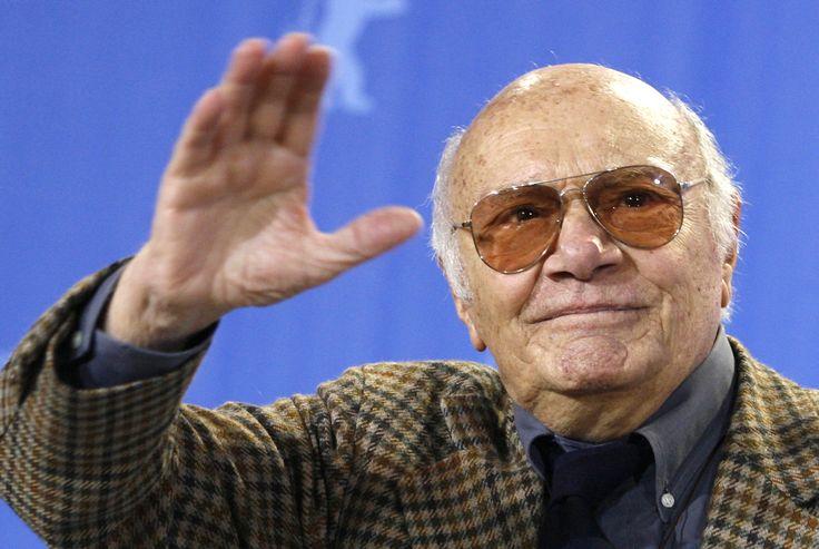 """Francesco Rosi, réalisateur italien (15 novembre 1922 - 10 janvier 2015) Créateur du  """"film-dossier"""", -un style superposant une fiction et des images d'archives-, dont Costa-Gavras est également l'un des pionniers."""