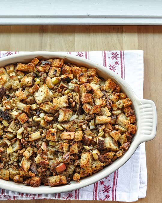 How to Make Easy Thanksgiving Stuffing Cooking Lessons from The Kitchn ...