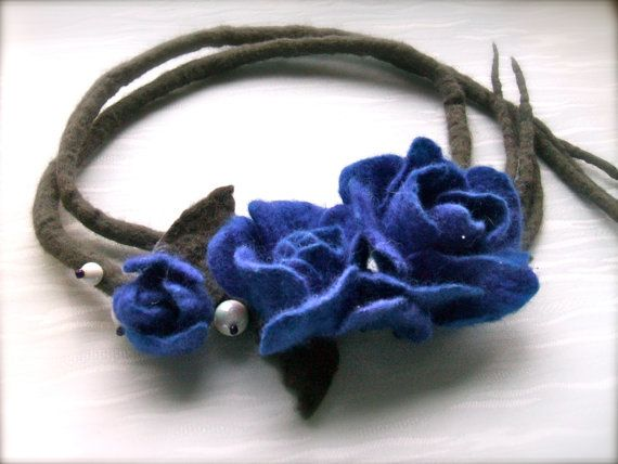 Handmade flowers necklace Blue flowers felt necklace by jurooma