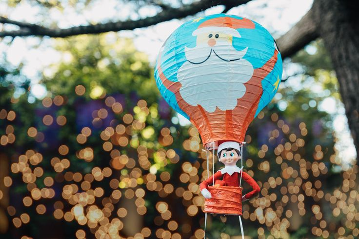 Elf arrival. Hot air balloon