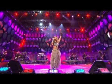 ▶ Shakira - Hips Dont Lie - She Wolf - Waka Waka (HD) - YouTube http://www.youtube.com/watch?v=SP8o501ORJ4