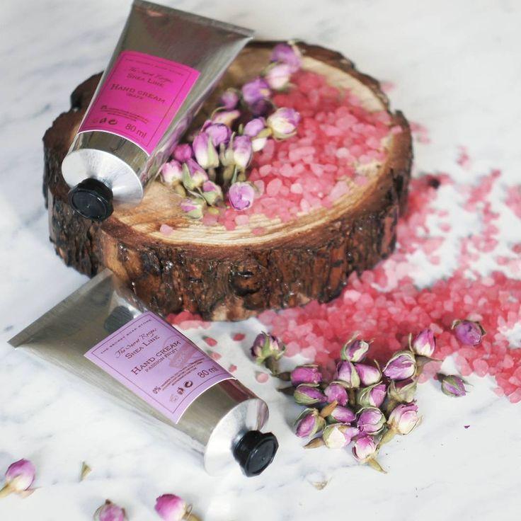 Dzień dobry! Dziś początek astronomicznej wiosny w wyczekiwaniu na lepszą pogodę możemy nastrajać się owocowym i kwiatowymi zapachami naszych kosmetyków  #thesecretsoapstore #natural #cosmetics #handcream #naturalne #kosmetyki #polishbrand #store #rose #passionfruit #grape #whitetheme