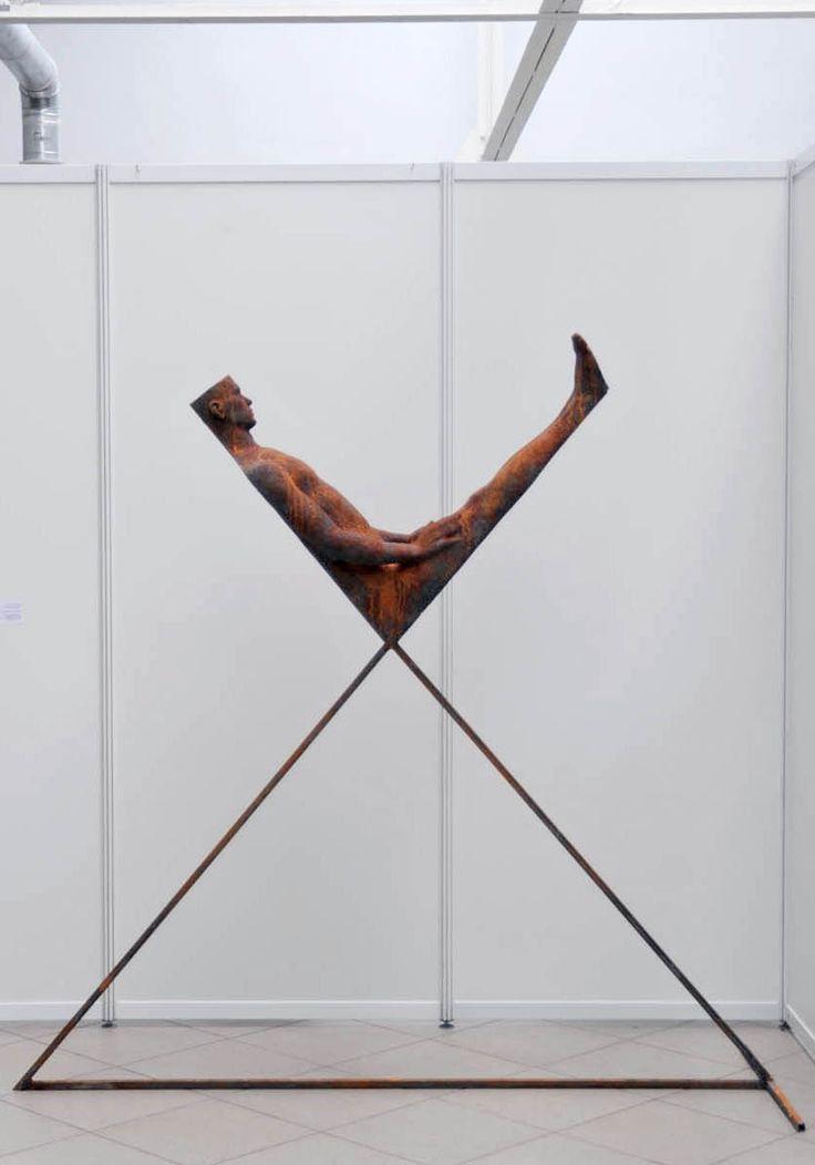 Nazar Bilyk, Sleeping, 2010, сталь, 185 см