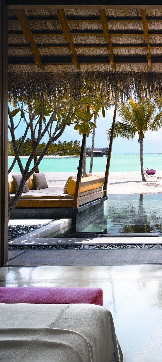 The Amazing Maldive Islands (10 Pictures)   Je voudrais tellement me retrouver au milieu de nul part comme ça !!