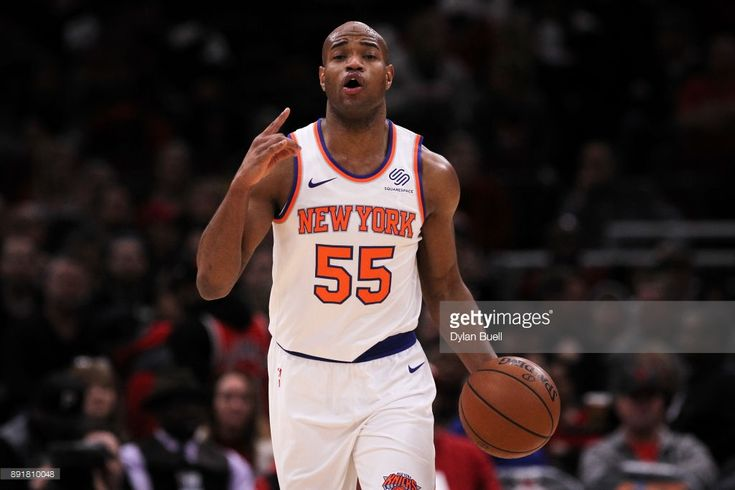 Jarrett Jack #55 of the New York Knicks dribbles the ball in the first quarter against the Chicago Bulls at the United Center on December 9, 2017 in Chicago, Illinois.