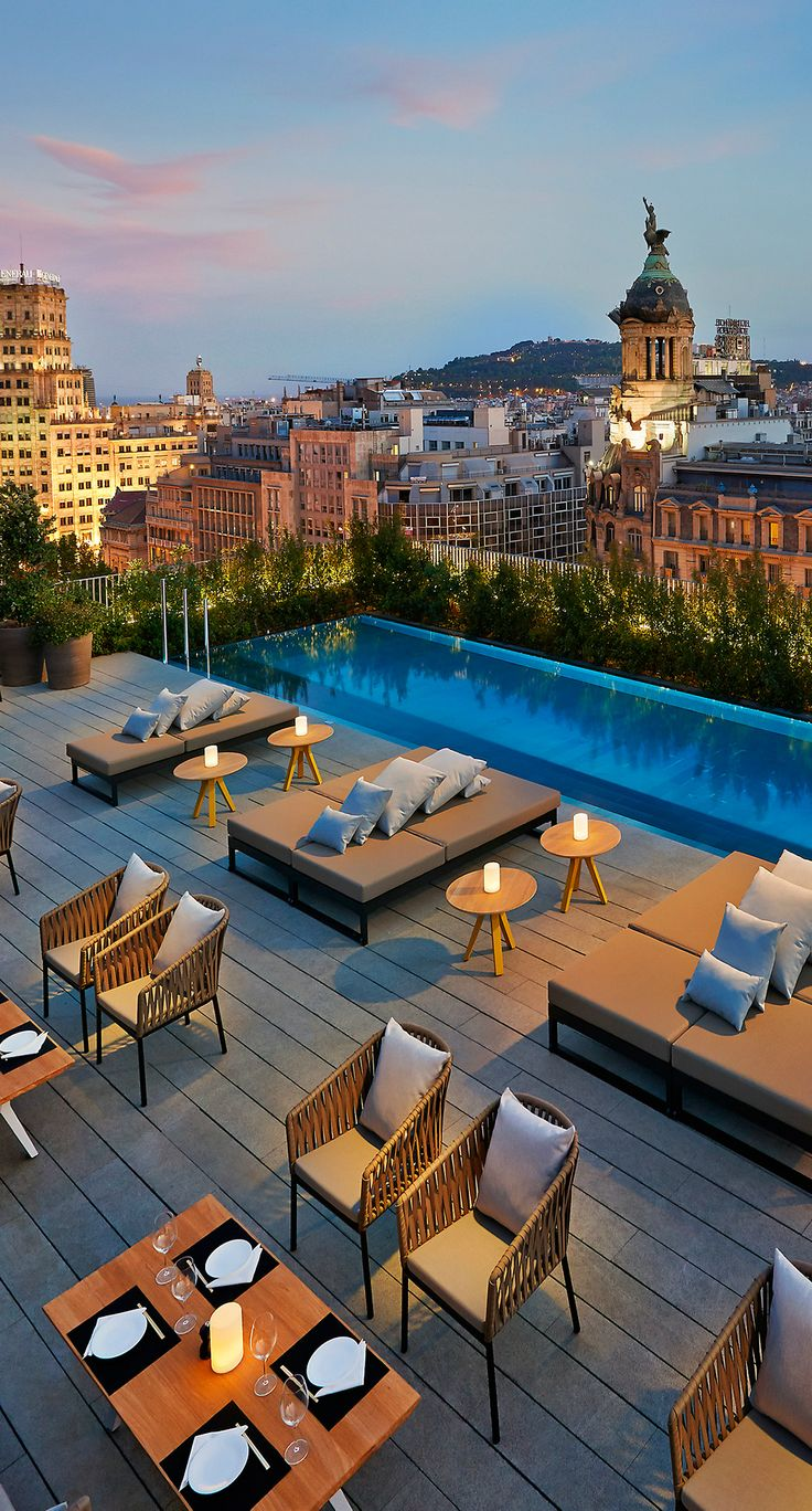 Mandarin Oriental Barcelona hotel - Barcelona, Spain. Chill evening with great cocktails!
