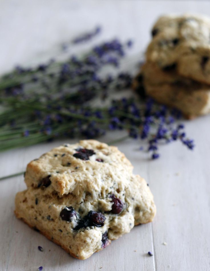 blueberry lavender scones | withloveandcupcakes.com