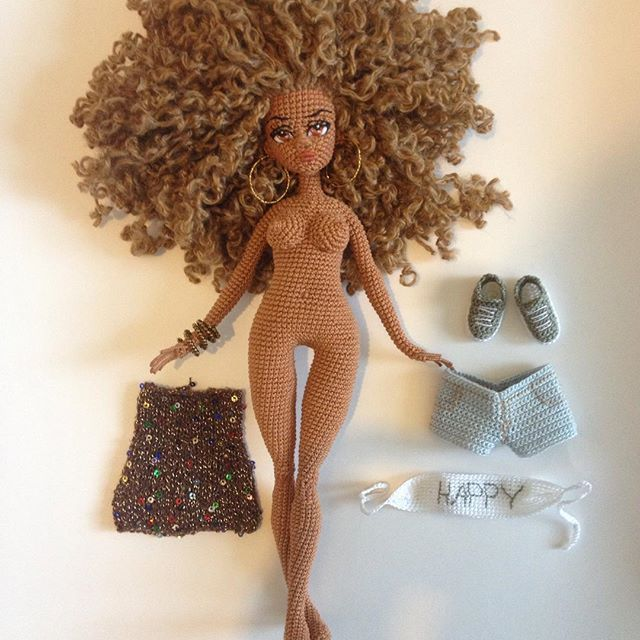 WEBSTA @ oksana_somati - Вся одежда снимается .. Рост 30 см.. Девочка у любящей хозяйки)