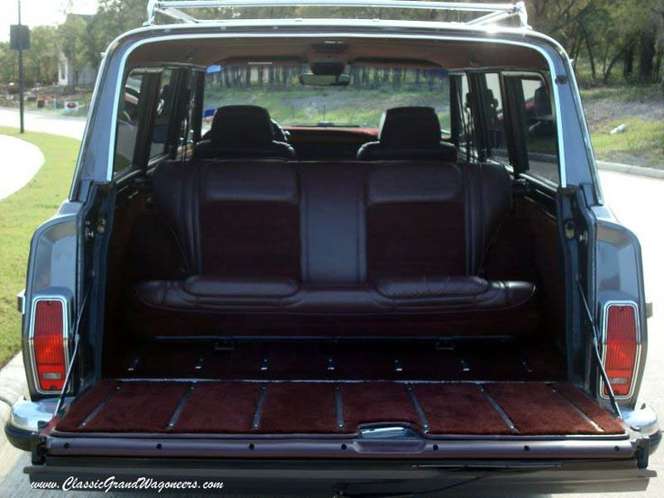 a wag with a third row rear facing way back seat yea. Black Bedroom Furniture Sets. Home Design Ideas