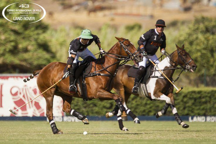 Juan Britos y Peter Selling, de Equus, partido de la Copa de Plata #Silex de Mediano Handicap durante el 43 Torneo Internacional Land Rover de Polo. Fotos: SMPC / Katerina Morgan