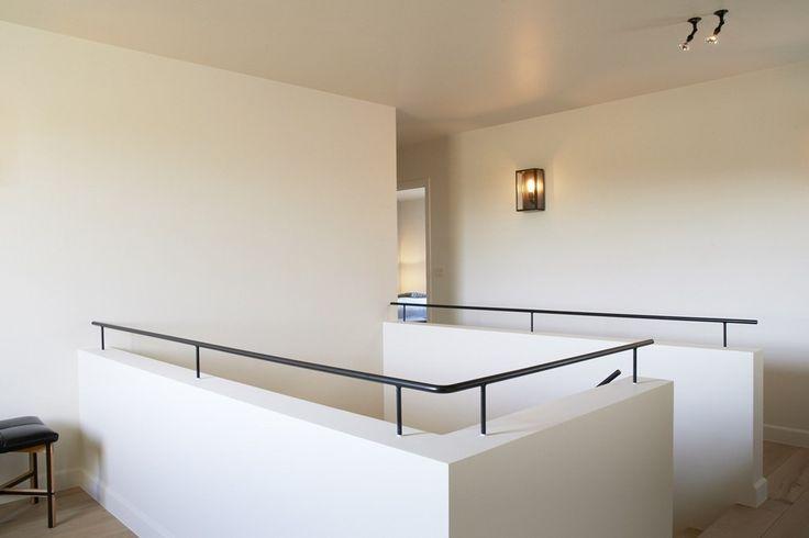 25 beste idee n over trap makeover op pinterest trap verbouwen trap leuning en leuning verbouwen - Redo houten trap ...