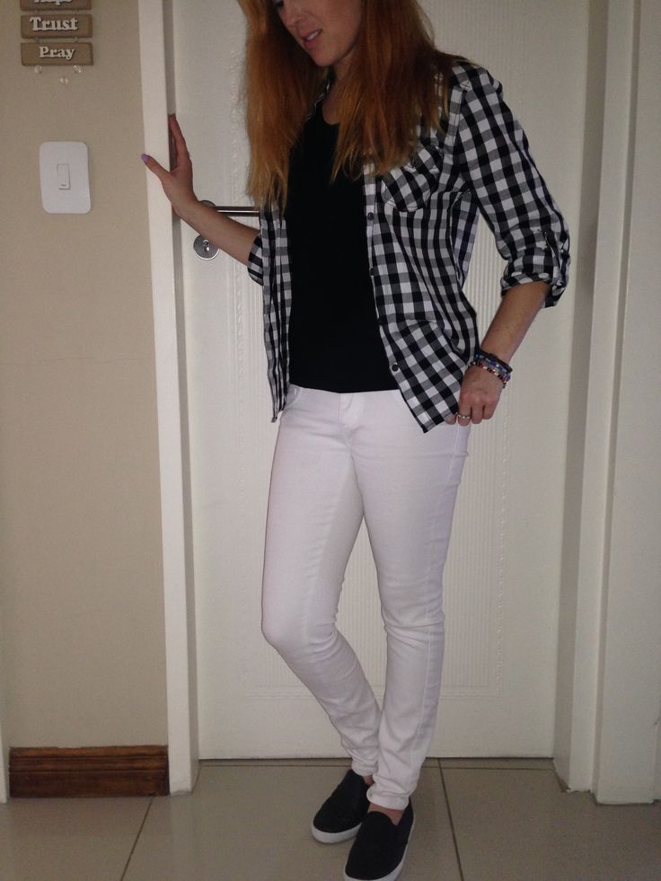 Black +white, weekend casual, gingham top with white jeans