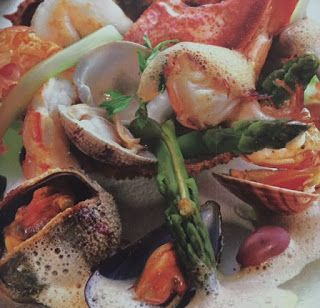 LE GUSTOSE RICETTE  DI NONNA MARIA: Insalata con asparagi e frutti di mare