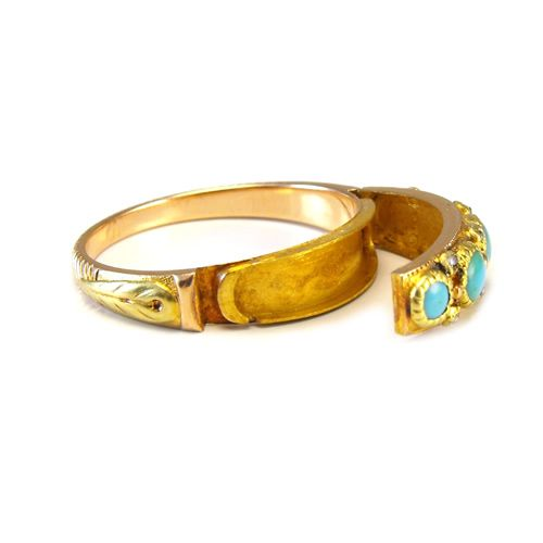 Rare 19th century poison ring made of 15ct rose and yellow gold, featuring natural turquoises and rose cut diamonds - and a secret compartment!