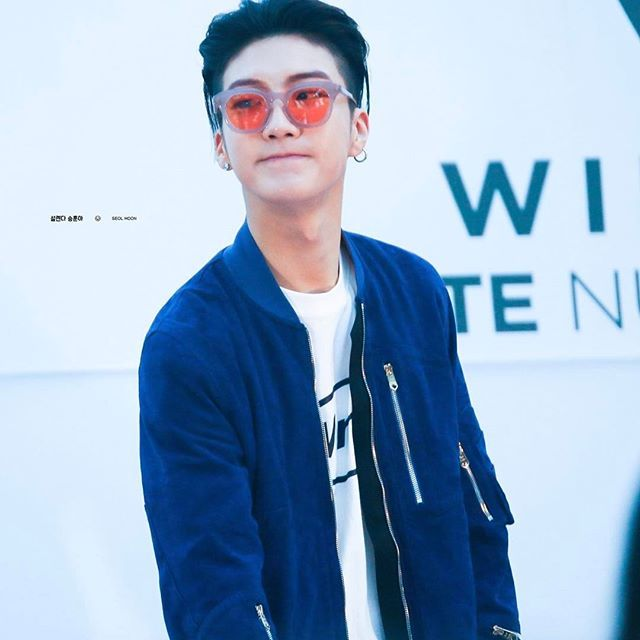 - ❥ [HQ] 170422 Sinchon Fansign || © seol hoon #이승훈 #승훈 #LeeSeunghoon #Seunghoon #Hoonie #BabyLionSeunghoon #HipHopBabyLion #위너 #WINNER #YG #YGWINNER #WINNERYG #InnerCircle #winnercity #maetamong #blshfate4#blshfansign