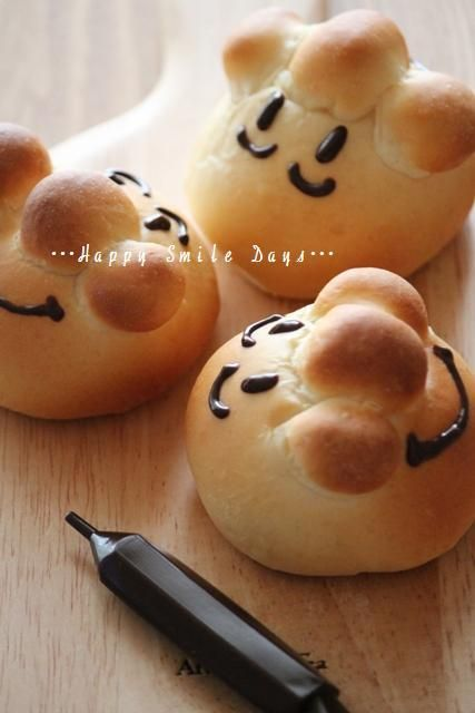 アンパンマンチョコペン。 Anpanman Chocolate Bread Party Favors....