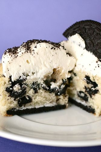 *cookies and cream cupcakes*