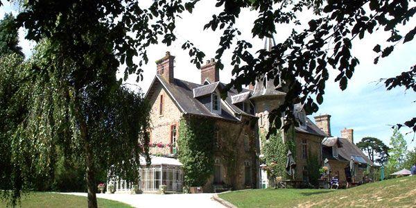 Château de la Baudonnière - Gite de groupe Manche de 160 couchages - GrandsGite.com