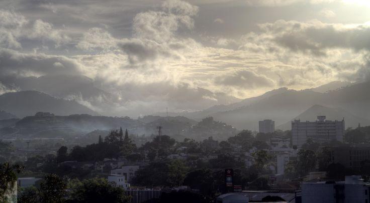 Early Morning in Tegucigalpa Honduras [5143x2832] [OC]