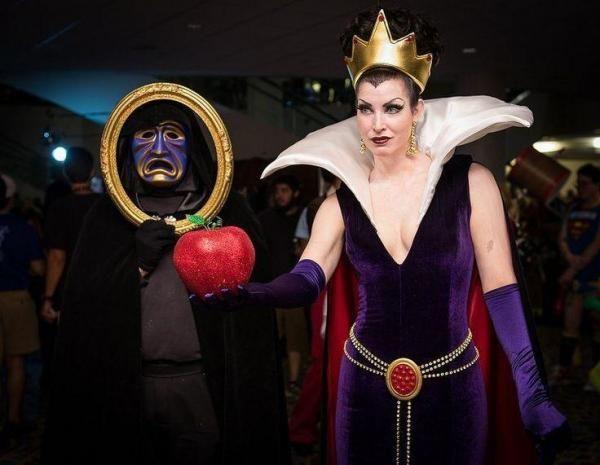 Ainda não sabe de que se fantasiar? A bruxa da Branca de Neve é sempre um clássico! #fantasias #carnaval #bruxa #brancadeneve